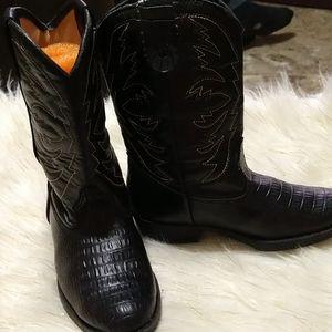 Smart fit black 🐄 cowboy boots. Boys size 13